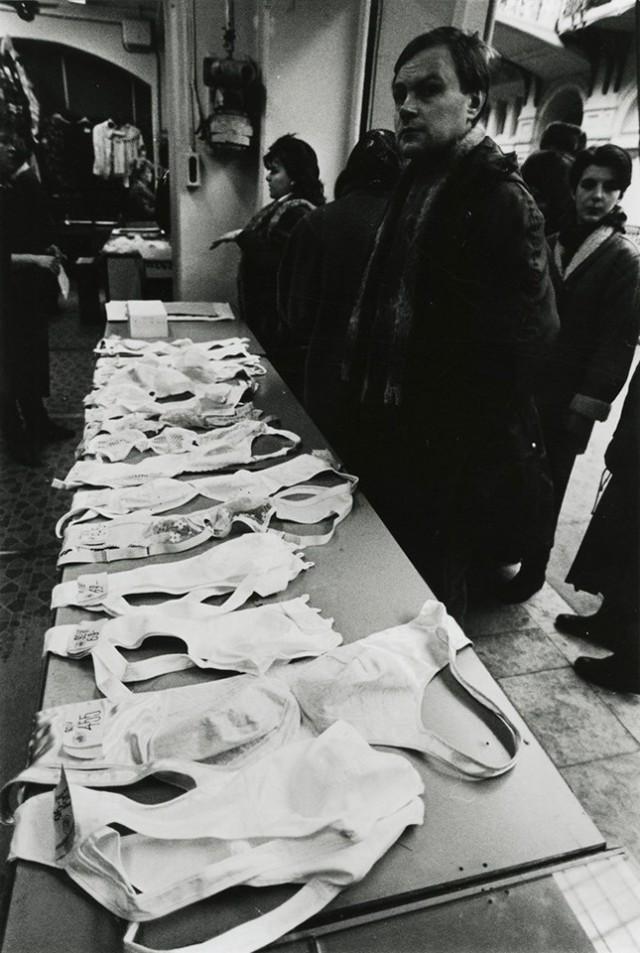 Отоваренная мечта: советские фотографии о жизни в условиях дефицита