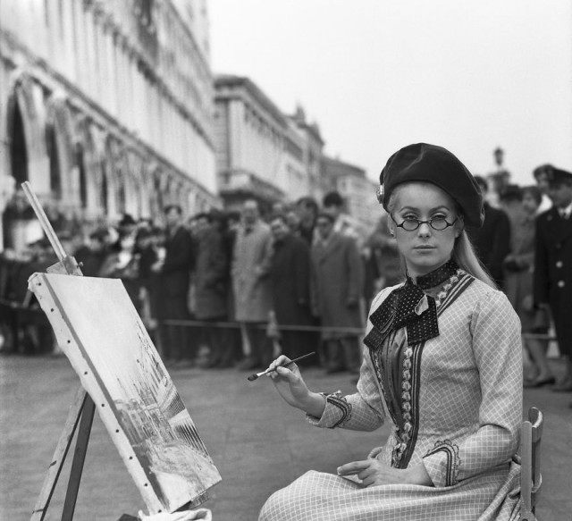 Редкие фотографии извесÑ'Ð½Ñ‹Ñ Ð»ÑŽÐ´ÐµÐ¹, отдыÑÐ°ÑŽÑ‰Ð¸Ñ Ð² Венеции в 1950-60-е годы