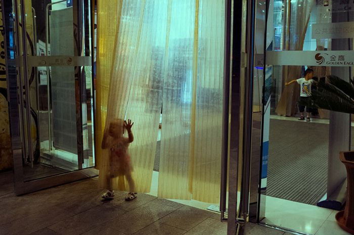 Стрит-фото от талантливого китайского фотографа Тао Лю