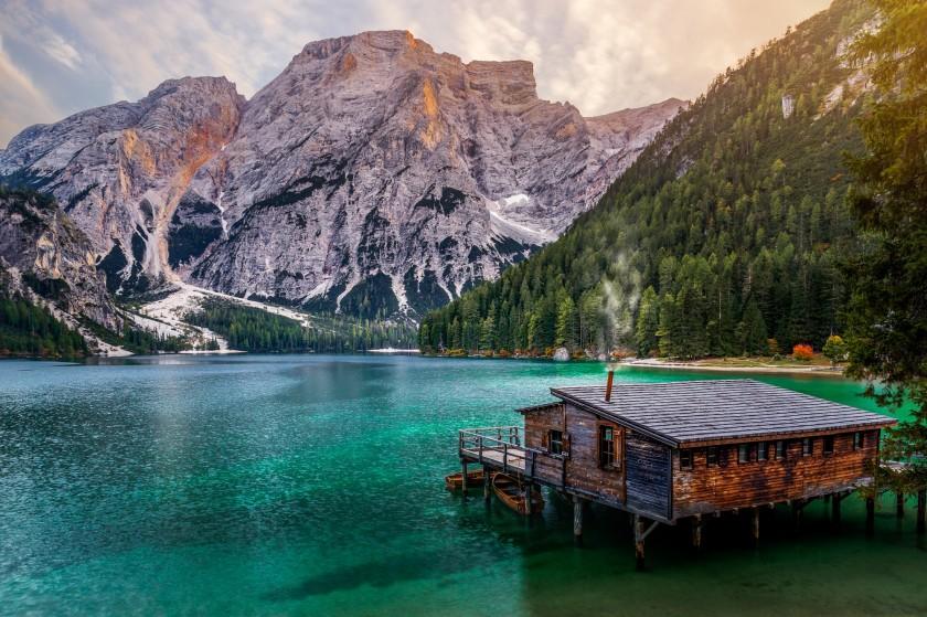 Романтичные городские и природные пейзажи Гуереля Сахина