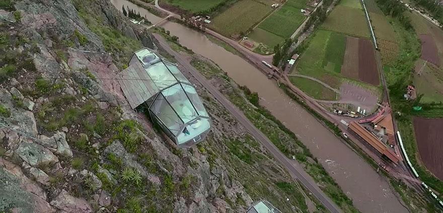 Прозрачный отель для экстремалов в перуанских Андах над Священной долиной-6