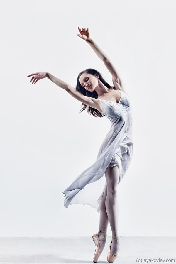 Взрывные портреты танцоров от Александра Яковлева (21 фото)