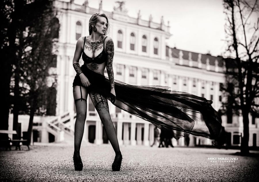 Черно белые проститутки проститутку снимают пацаны