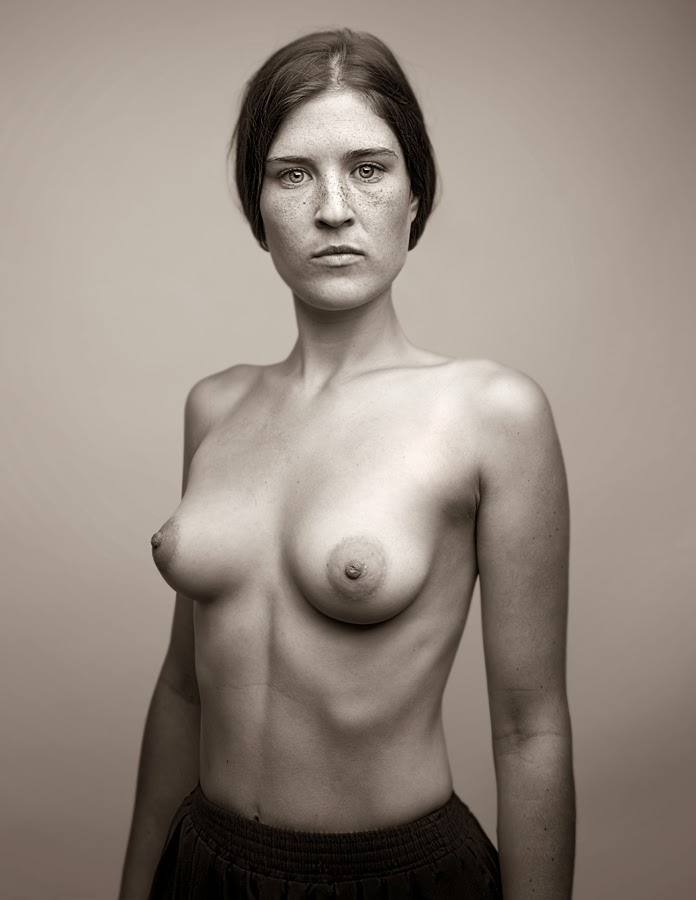 Schwab Jo, born 1969, is a Berlin-based photographer