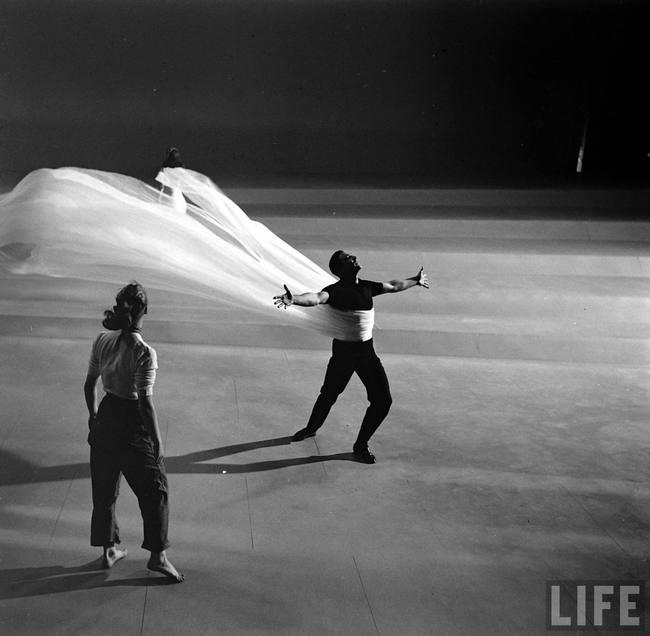 Закулисные кадры, которые меняют восприятие культовых фильмов – 50 фото - 35