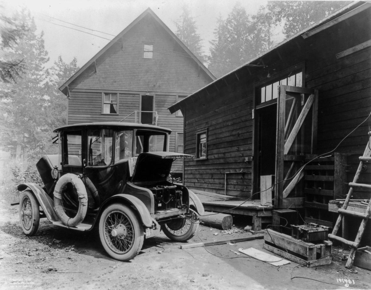 Pervye elektromobili retro foto 1