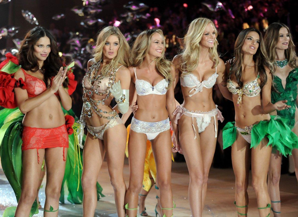 Pokaz mod Victorias Secret 23