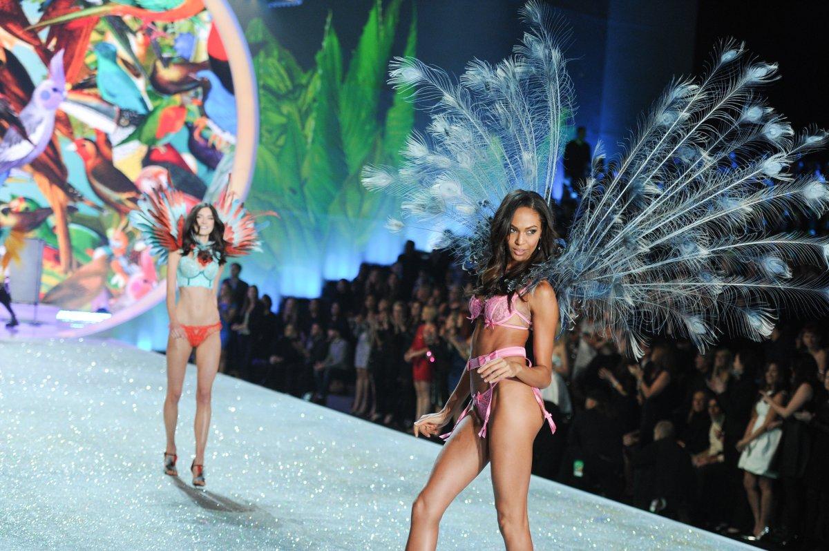 Pokaz mod Victorias Secret 24