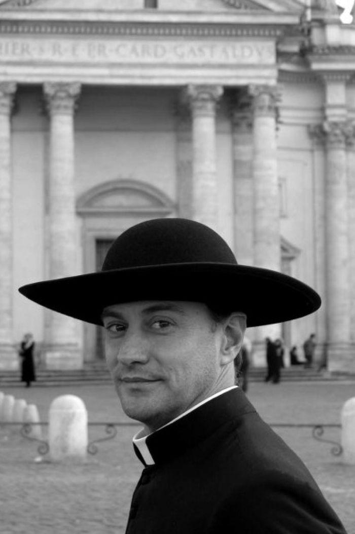 vatikanskie svyaschenniki Calendario Romano 6