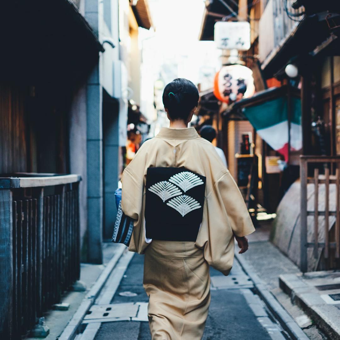 Японский колорит в уличных фотографиях Такаши Ясуи-6