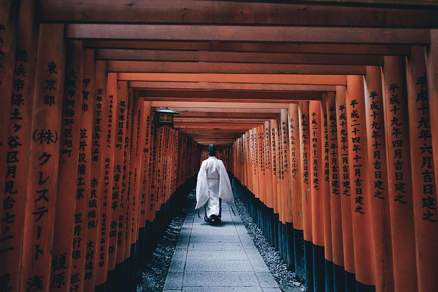 Японский колорит в уличных фотографиях Такаши Ясуи-1