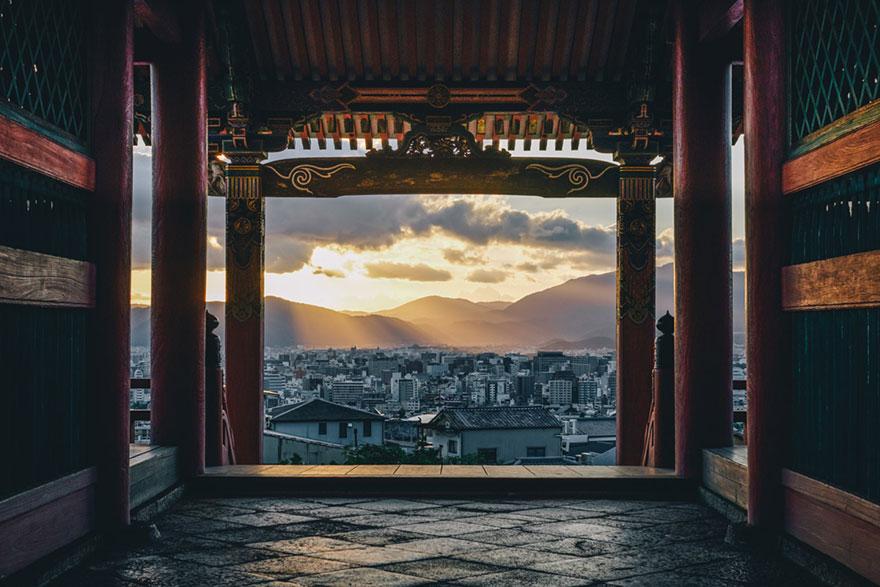 Японский колорит в уличных фотографиях Такаши Ясуи-5