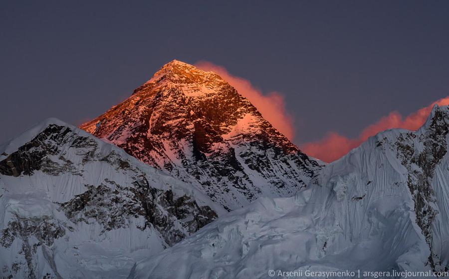 Эверест: 30 величественных фотографий самой высокой горы на Земле