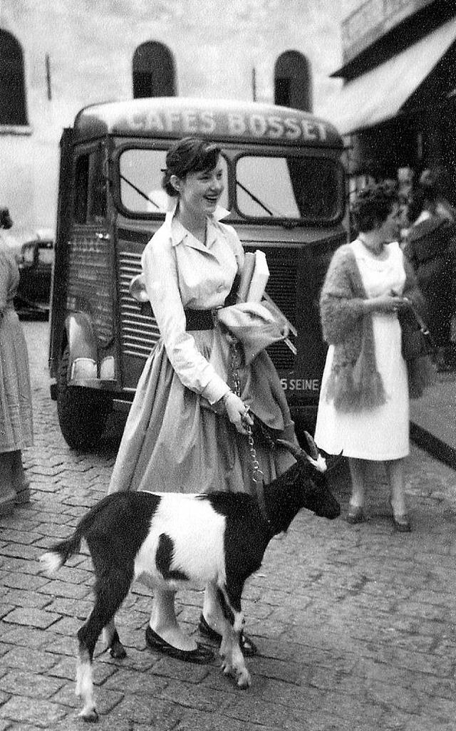 На экскурсию в Париж: столица Франции в объективе фотографа-любителя в 1955 году 2