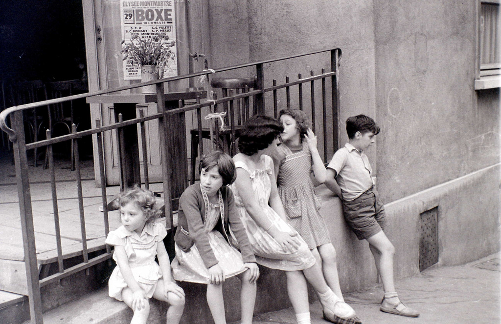 На экскурсию в Париж: столица Франции в объективе фотографа-любителя в 1955 году 23