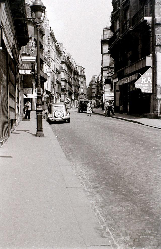 На экскурсию в Париж: столица Франции в объективе фотографа-любителя в 1955 году 42