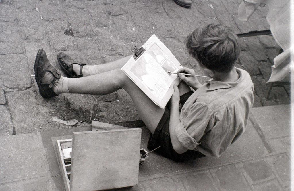 На экскурсию в Париж: столица Франции в объективе фотографа-любителя в 1955 году 48