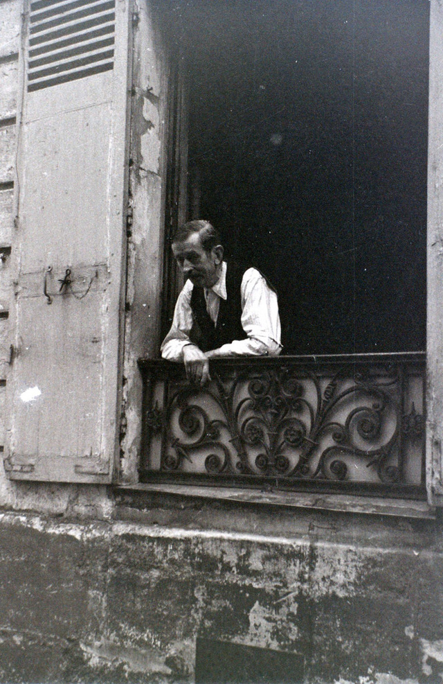 На экскурсию в Париж: столица Франции в объективе фотографа-любителя в 1955 году 52