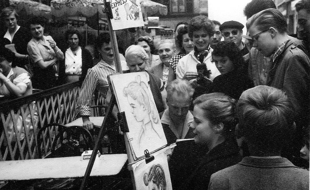 На экскурсию в Париж: столица Франции в объективе фотографа-любителя в 1955 году 59