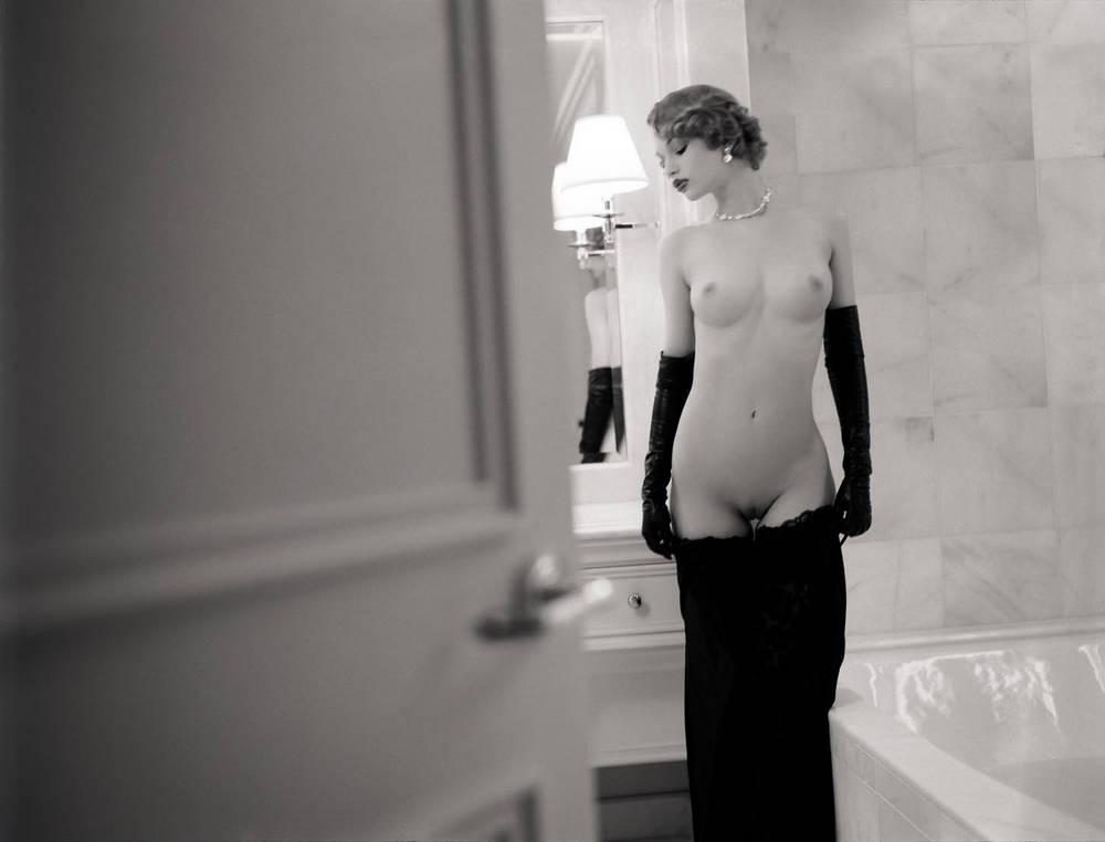 арт эротика известных фотографов снимают трусики сиськи