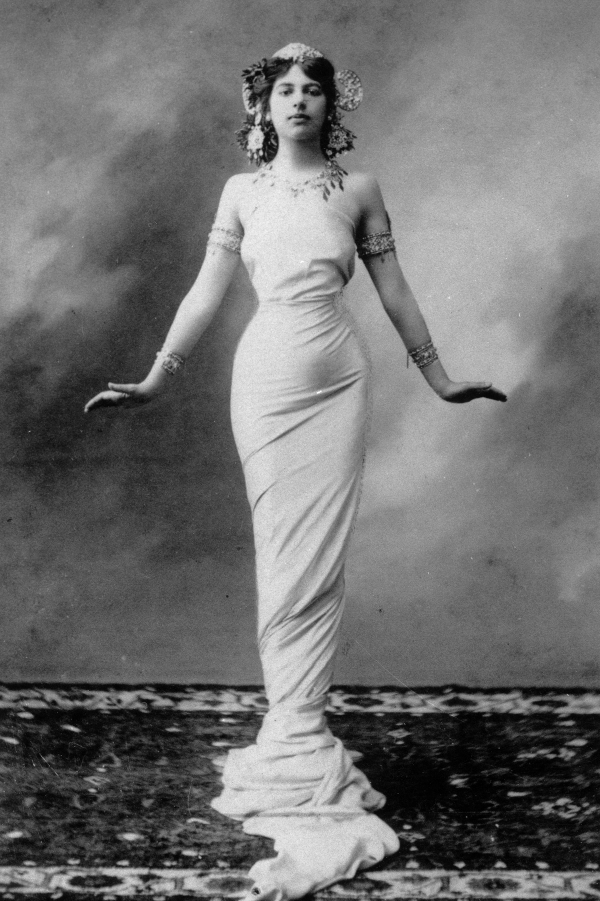 Мата Хари: история танцовщицы, куртизанки и шпионки (1905-1917) - 1