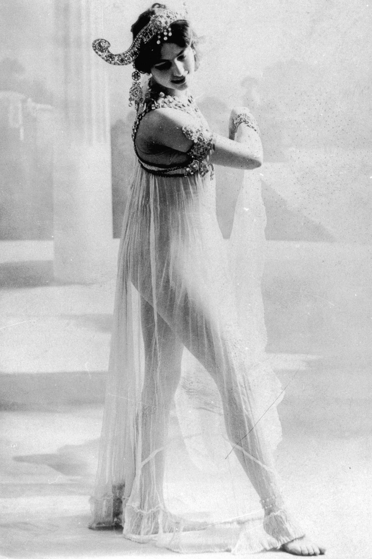 Мата Хари: история танцовщицы, куртизанки и шпионки (1905-1917) - 2