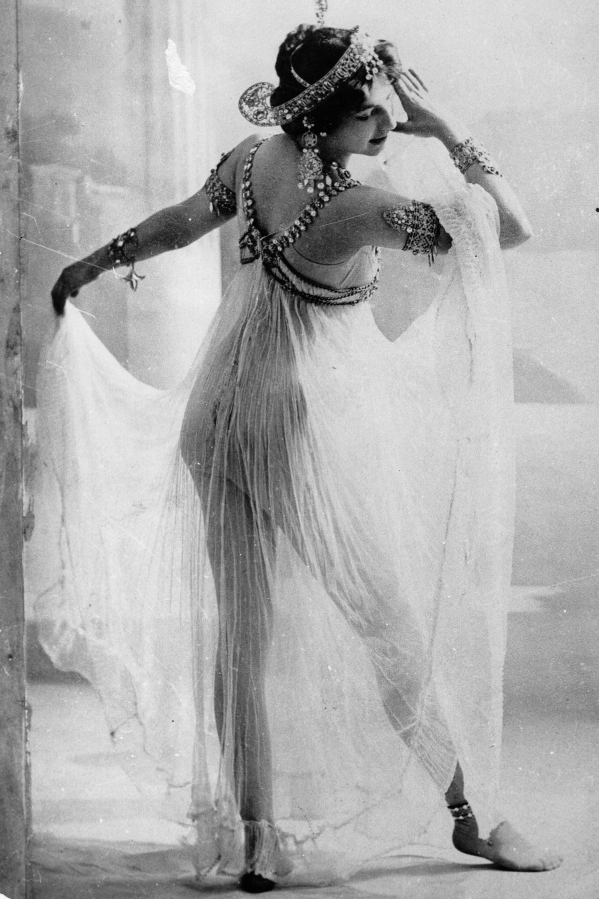 Мата Хари: история танцовщицы, куртизанки и шпионки (1905-1917) - 4