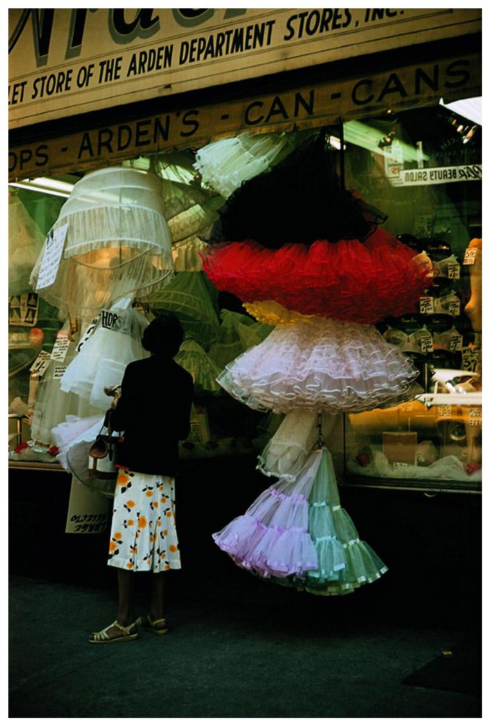 Шедевры от мастеров уличной фотографии: реальная жизнь в каждом снимке 10