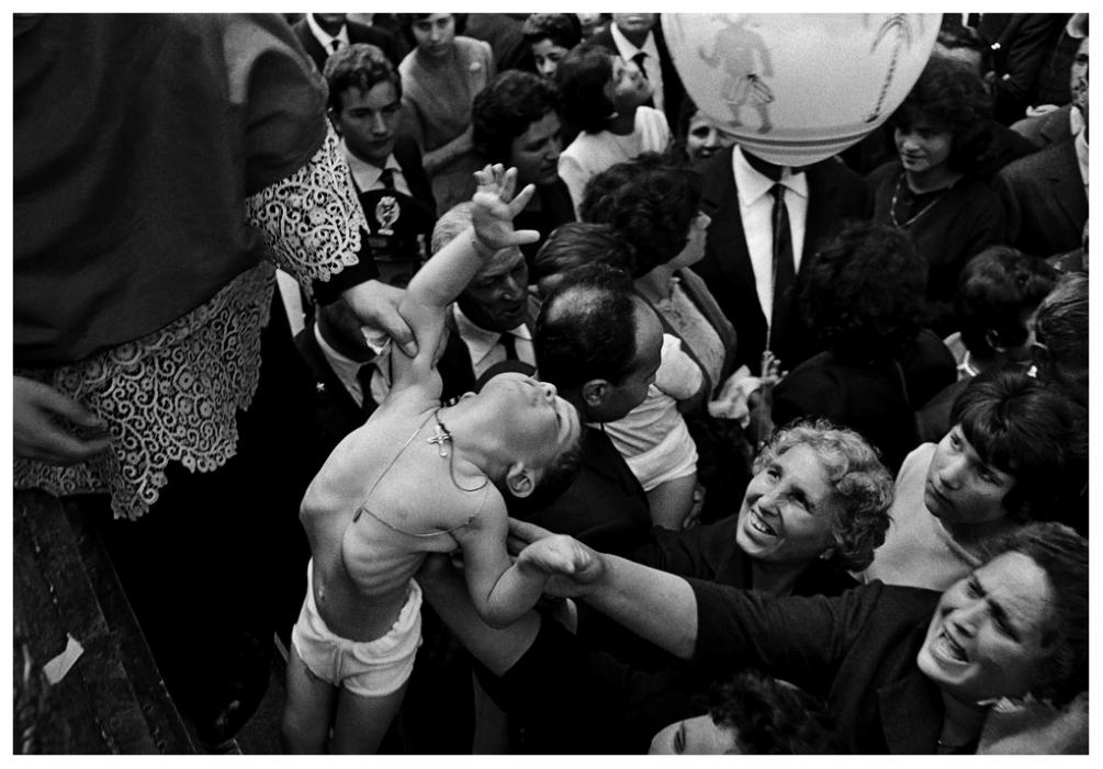 Шедевры от мастеров уличной фотографии: реальная жизнь в каждом снимке 1 9