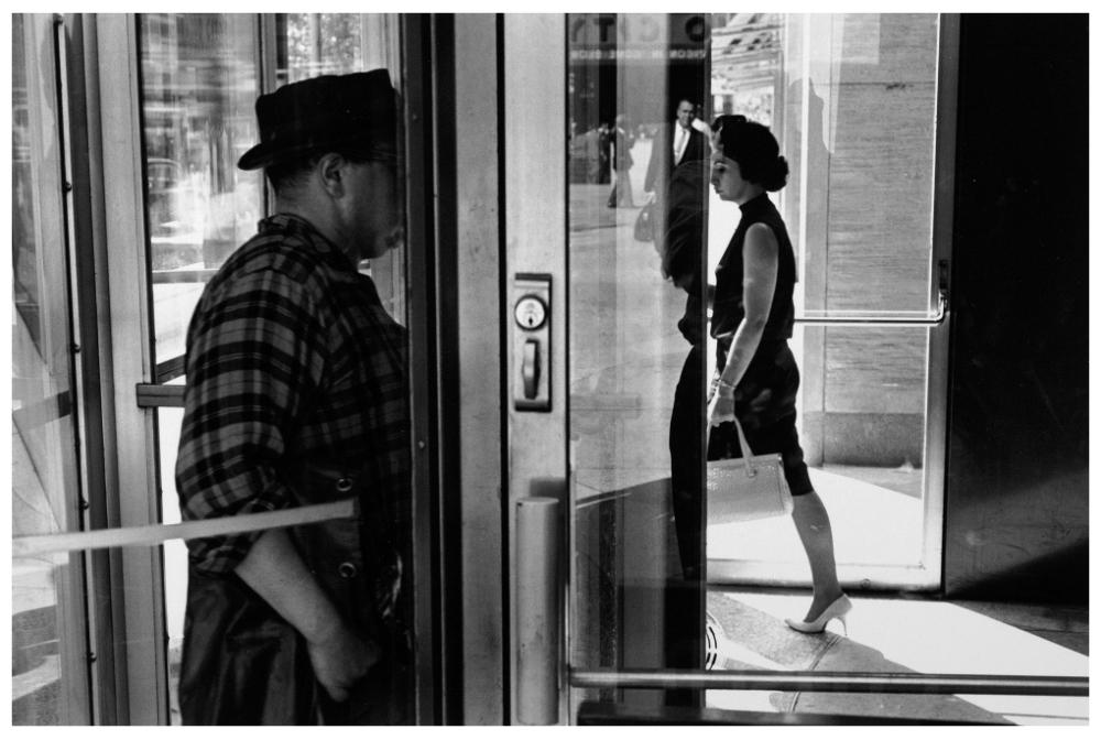 Шедевры от мастеров уличной фотографии: реальная жизнь в каждом снимке 35
