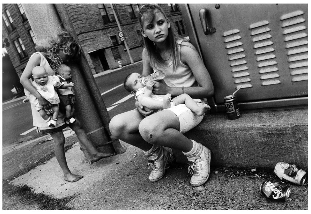 Шедевры от мастеров уличной фотографии: реальная жизнь в каждом снимке 38