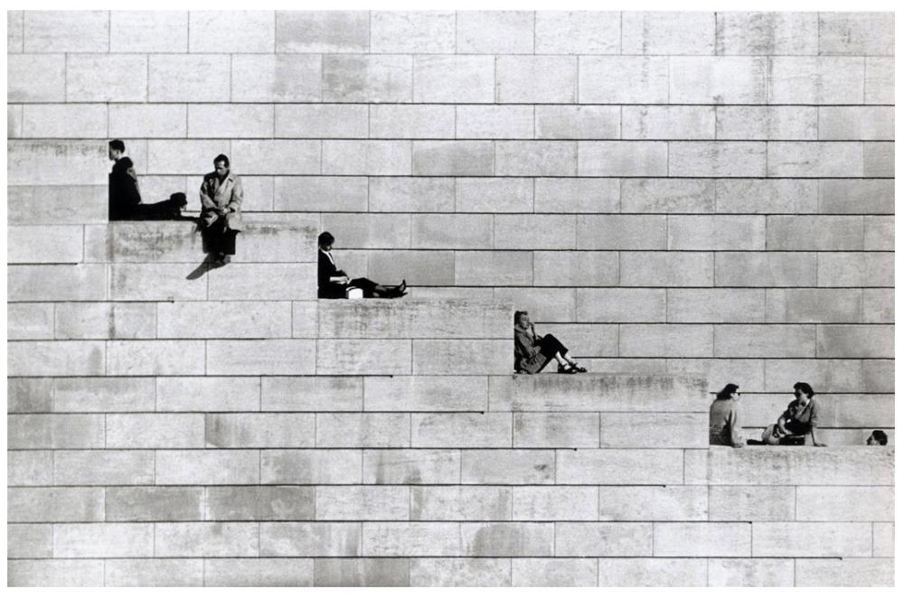 Шедевры от мастеров уличной фотографии: реальная жизнь в каждом снимке 42