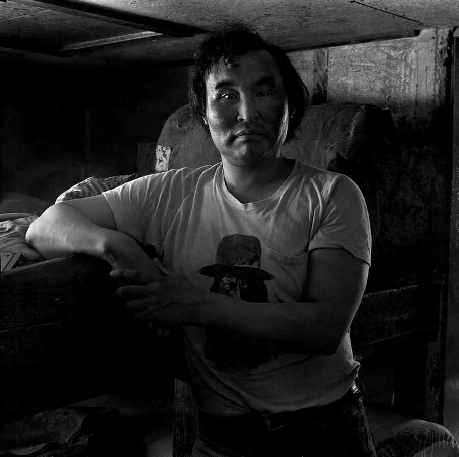 Жизнь в эскимосских деревнях Аляски. Фотограф Алекс Харрис  10