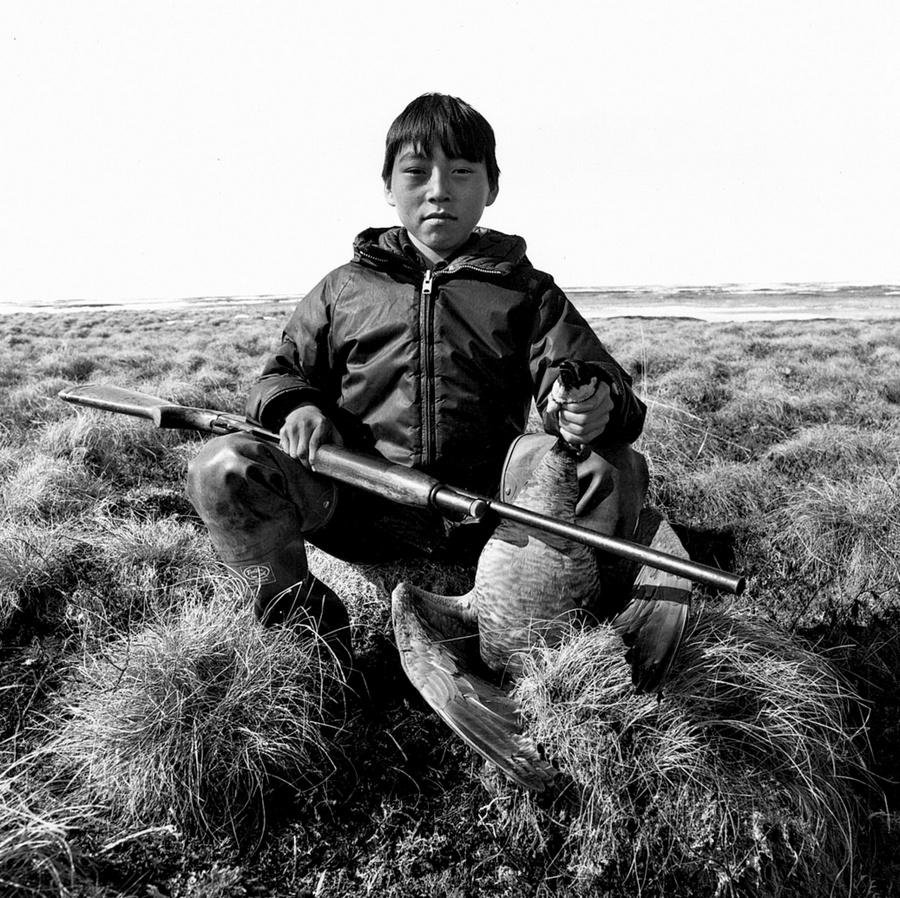 Жизнь в эскимосских деревнях Аляски. Фотограф Алекс Харрис  13