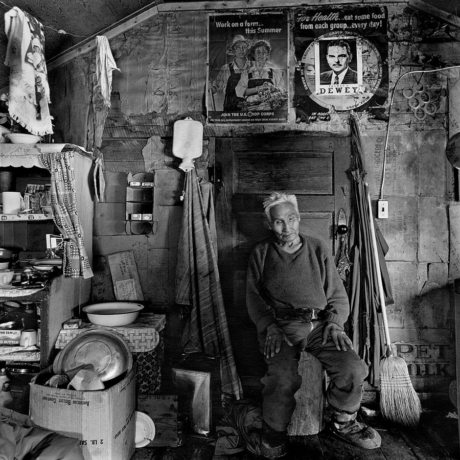 Жизнь в эскимосских деревнях Аляски. Фотограф Алекс Харрис  19