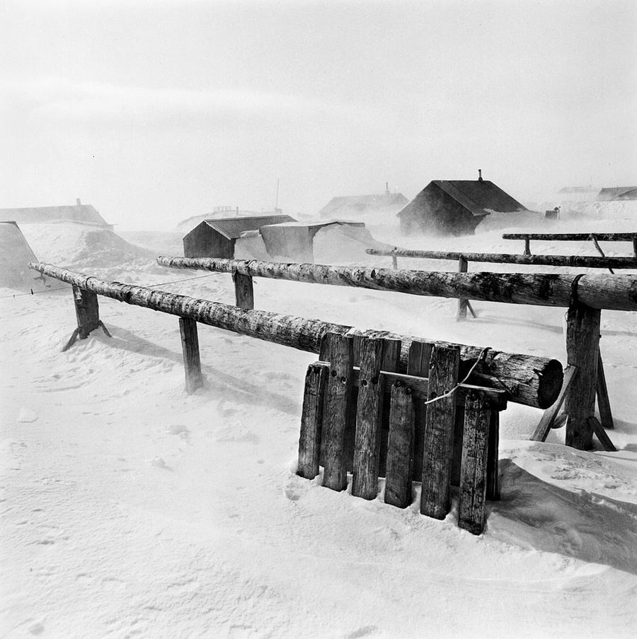 Жизнь в эскимосских деревнях Аляски. Фотограф Алекс Харрис  22