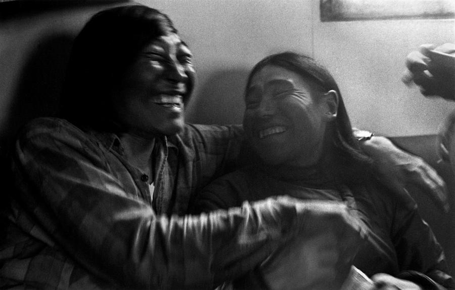 Жизнь в эскимосских деревнях Аляски. Фотограф Алекс Харрис  35