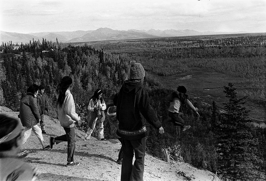 Жизнь в эскимосских деревнях Аляски. Фотограф Алекс Харрис  36