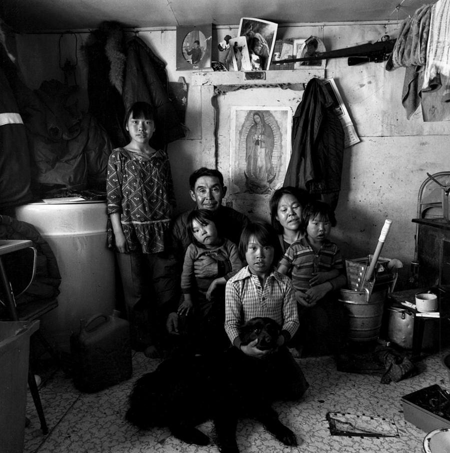 Жизнь в эскимосских деревнях Аляски. Фотограф Алекс Харрис  8
