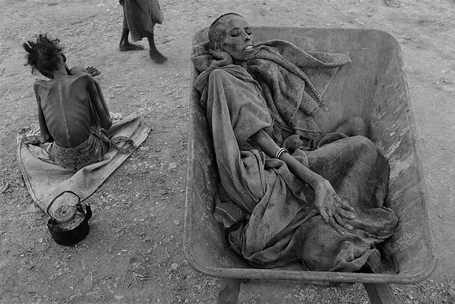 Famine in Somalia James Nachtwey 1992