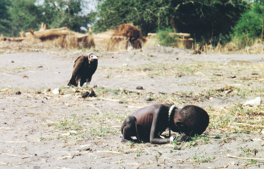 Starving Child and Vulture - Kevin Carter 1993