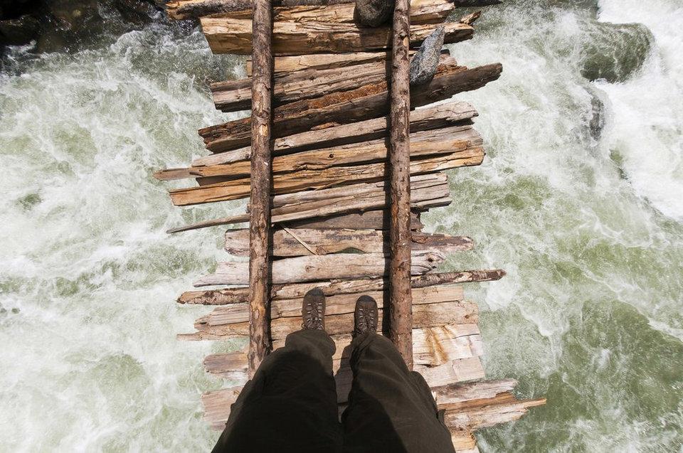 27 Most Dangerous Footpaths Around The World 2