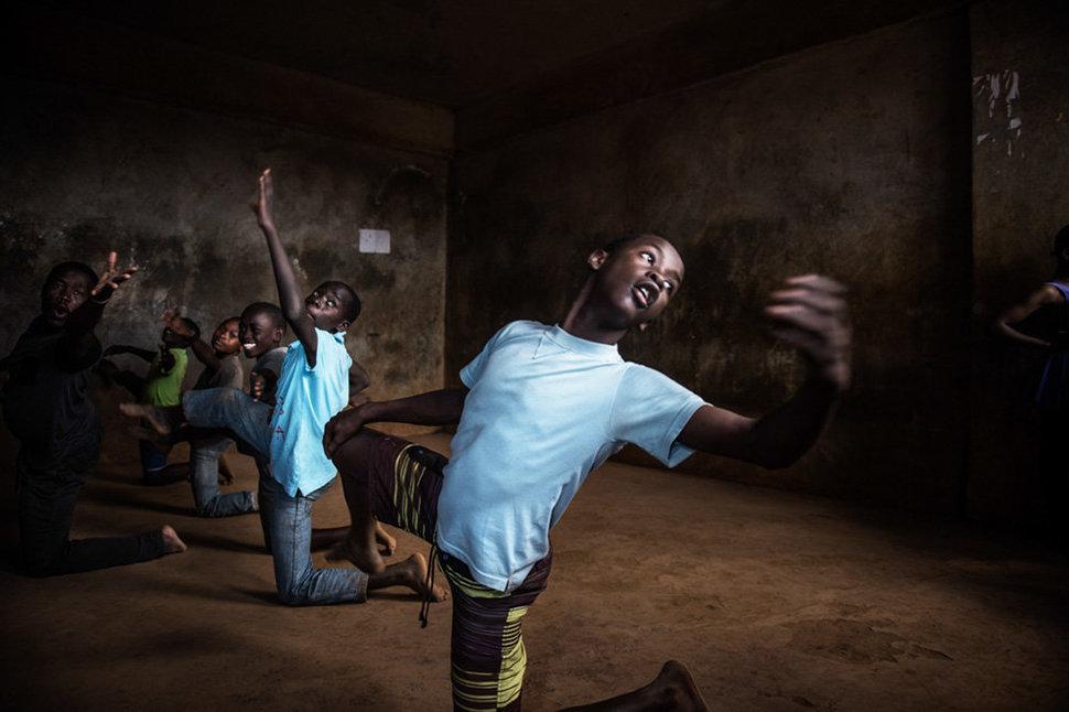 Балет в трущобах. Фотограф Фредрик Лернерид 2