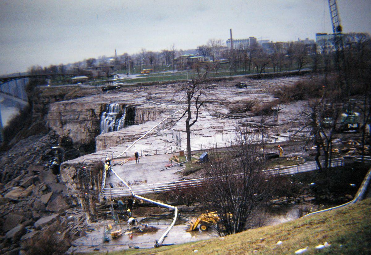 В 1969 году впервые осушили Ниагарский водопад 3