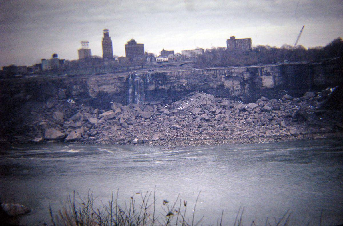 В 1969 году впервые осушили Ниагарский водопад 4