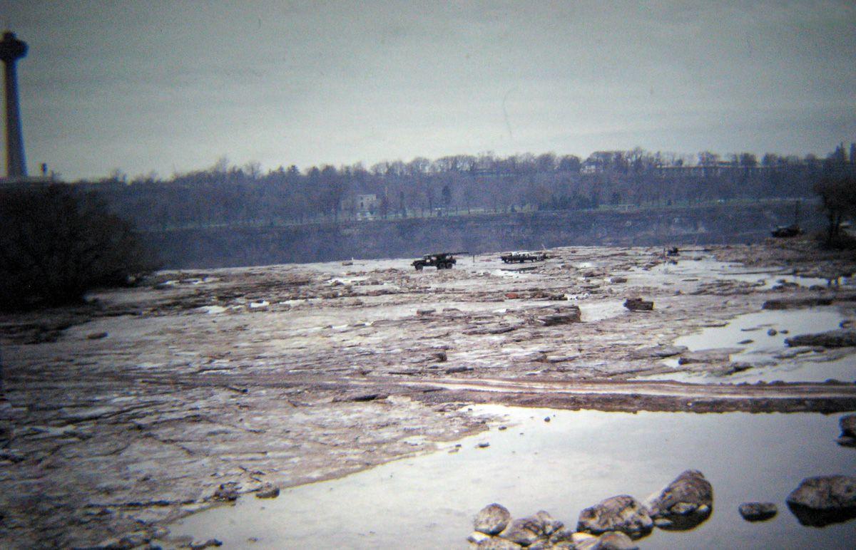 В 1969 году впервые осушили Ниагарский водопад 5