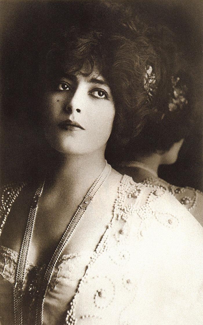 Самые красивые женщины 1900-х годов 11