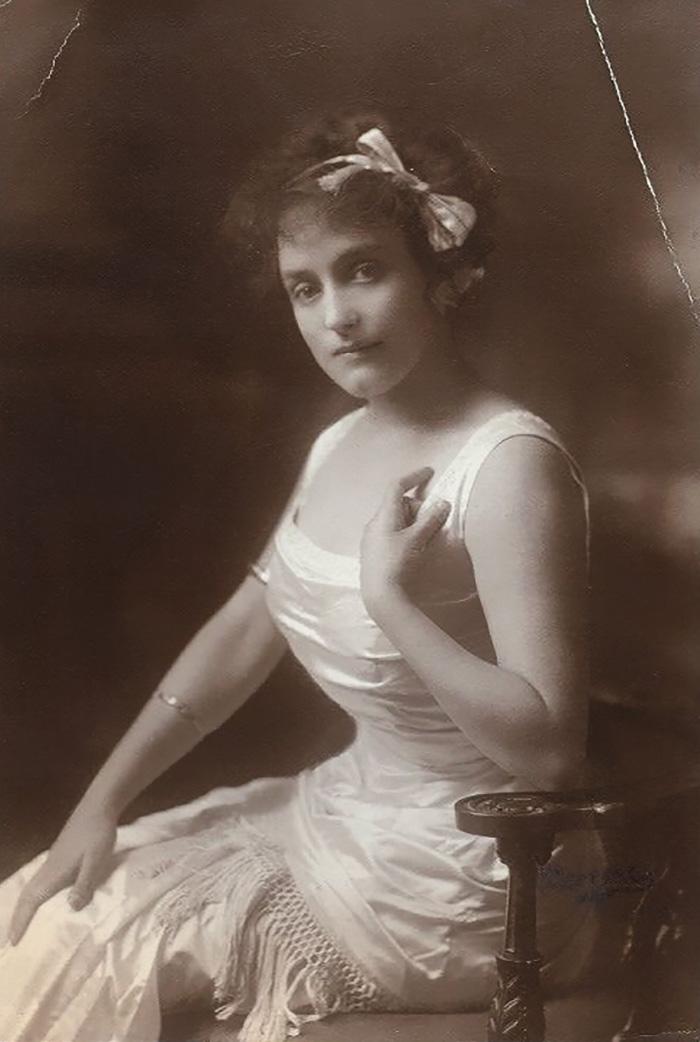Самые красивые женщины 1900-х годов 15