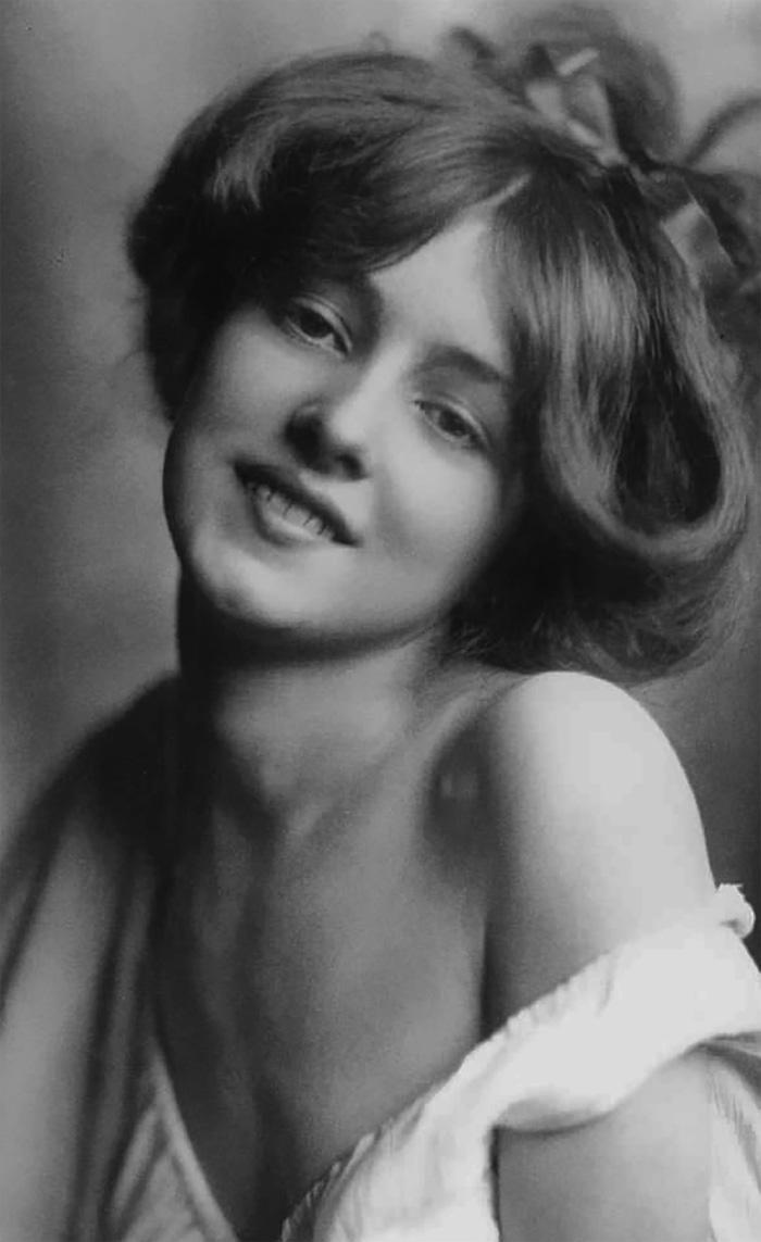 Самые красивые женщины 1900-х годов 8
