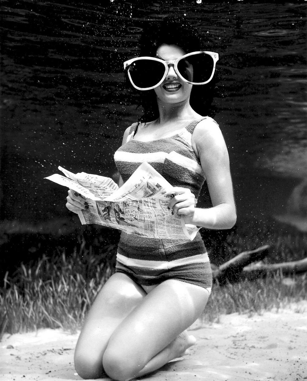 Пин-ап фотосессия 1938 года от пионера подводной фотографии Брюса Мозерта 4